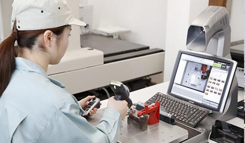 三次元測定器による品質検査